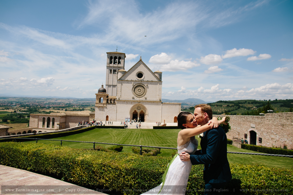 fotografo-matrimonio-umbria-wedding-reportage-iltaly-matrimonio-assisi-wedding-country-umbria-le-mandrie-di-san-paolo-santa-maria-angeli-76